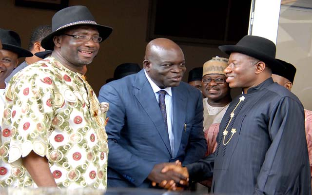 2   R - L , PRESIDENT GOODLUCK JONATHAN ; SIR, SERG C. AWUSE AND RIVER STATE PDP CHAIRMAN , PRINCE FELIX  OBUAH DURING  RIVER STATE PDP DELEGATES  VISIT TO THE PRESIDENTIAL VILLA ,ABUJA  ...YESTERDAY (04-07-20130 . GODWIN OMOIGUI