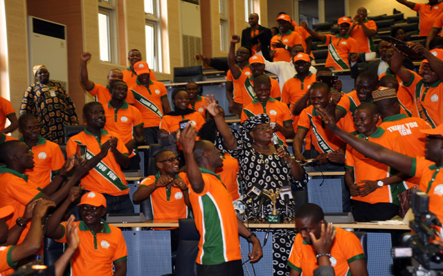 L-R; CME/Minister of Finance, Dr. Ngozi Okonjo-Iweala, STANDING OVATION BY the Beneficials of YouWin  during an interactive and thank you by YOUWIN First Batch winners at the Ministry in Abuja./ PHOTO; SUNDAY AGHAEZE JULY 1 2013.
