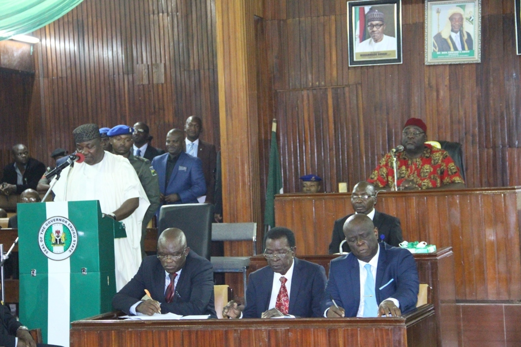 gov-ugwuanyi-presents-n105bn-budget-to-enugu-assembly