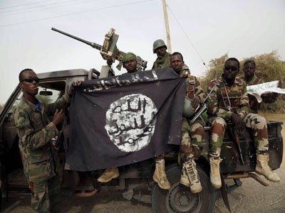 nigerian-soldiers-with-boko-haram-flag
