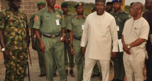 Gov. Ifeanyi Ugwuanyi of Enugu Stats General Officer Commanding 82 Division of the Nigerian Army, Enugu